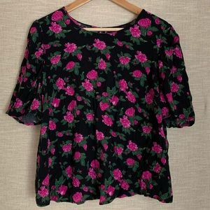 Who What Where gorgeous floral blouse Size 1X